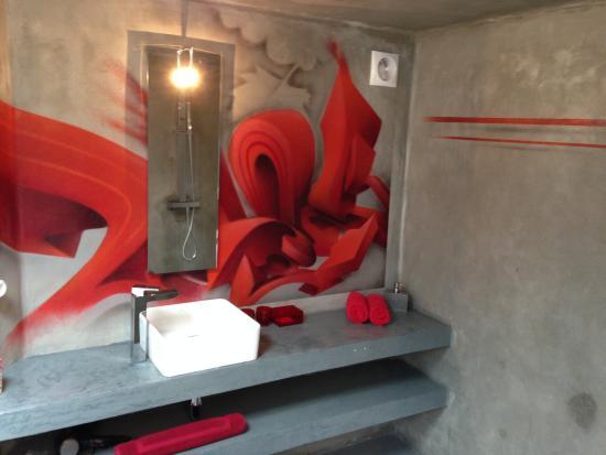Chateau la Mothe du Barry: Badkamer in een wijnvat