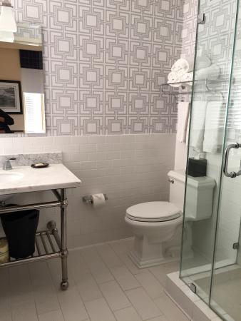 Sheraton Columbia Downtown Hotel : Retro bathroom