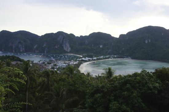 Phitharom Phi Phi Resort: Вид со смотровой площадки
