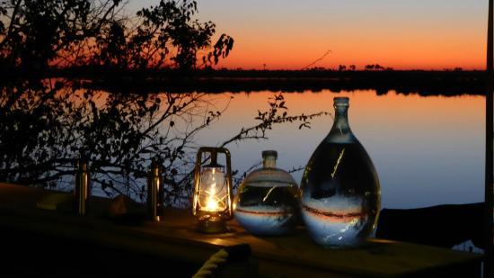 Wilderness Safaris DumaTau Camp : Sunset from the main dining area