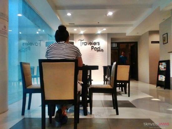 Travelers Pod lobby / coffee shop area