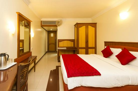 Oyo Rooms Majestic Bengaluru Hotel Reviews Photos Rate