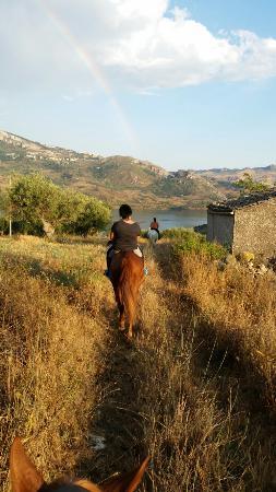 Trabia, Olaszország: Escursione al lago Rosamarina