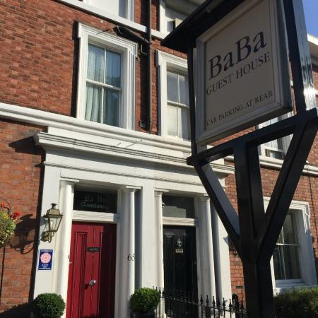 Ba Ba Guest House : Ba Ba from the Steet