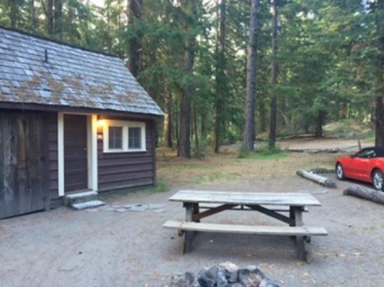 Prospect, OR: Cabin 16