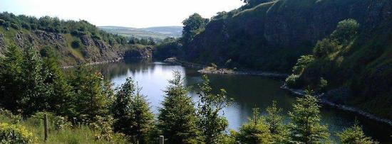 Lothersdale, UK: Quarry fly lake