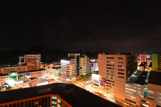 Gaya Centre Hotel : 市景房夜景