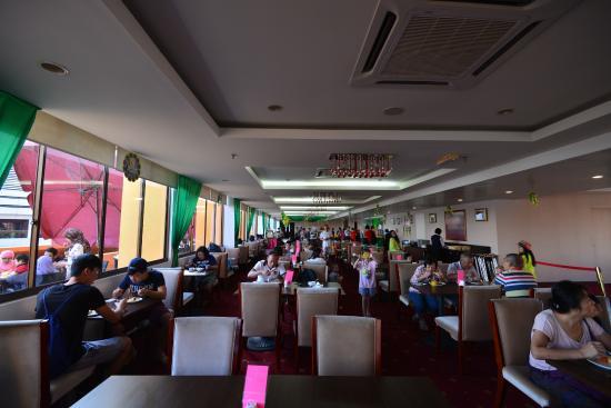 Gaya Centre Hotel : 餐廳室內座位