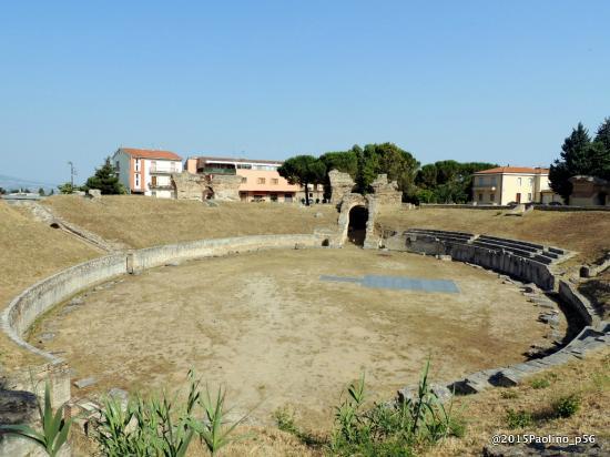 Anfiteatro Romano Di Larino