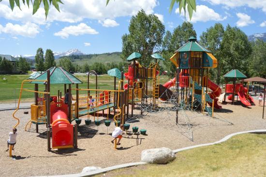 Rainbow Park: the park