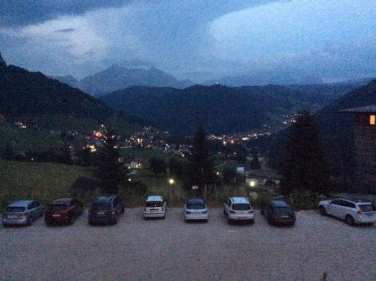 Nature Hotel Delta: Sera sulla Val Badia