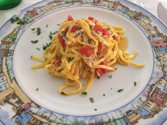 Al Gatto Nero Da Ruggero: Fantastic lunch!  for antipasti, believe it is all al gatto Nero experience and the tagliatelle