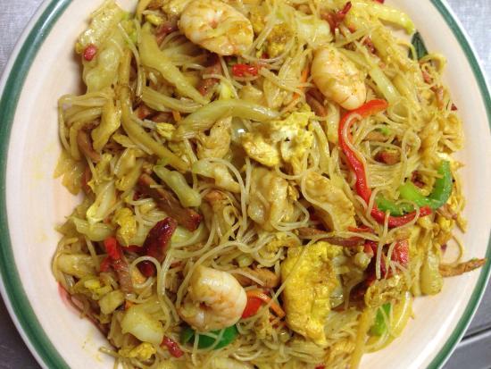 Men At Wok Restaurant : Best Singapore rice noodles!
