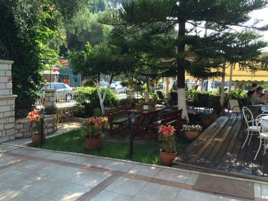 Maistrali Hotel : Garden