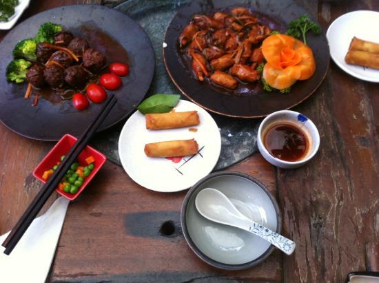 Pure Lotus Vegetarian Restaurant: Some food