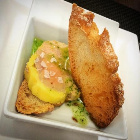 Meloso de bogavante, tako de bacalao, foie mi cuit y vino blanco Serendipia... Parte del menú de