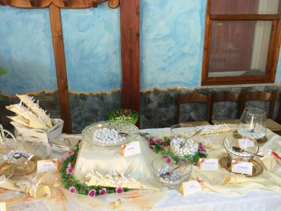 Hotel Badde Rosa : tavolo confettata