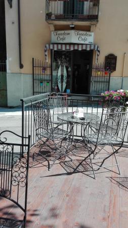 Freedom Cafe'