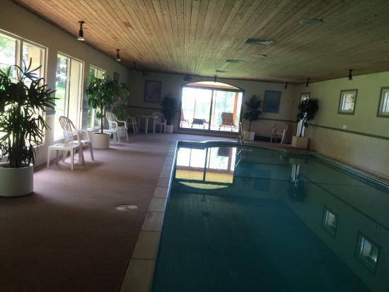 Beacon Hill Farm: the pool