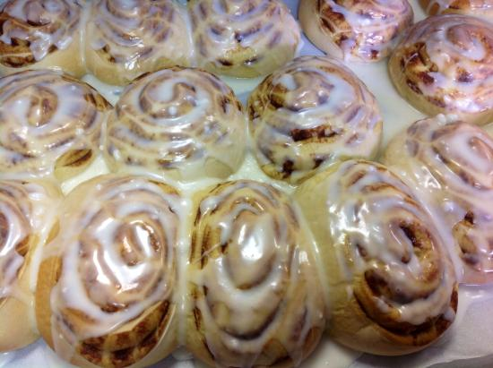 Coffee Break Cafe: House made cinnamon rolls ..they go fast
