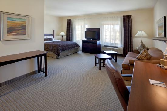 Staybridge Suites Austin NW : Our Studio Suite is very roomy!