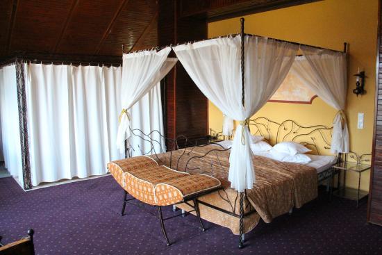 Predeal Comfort Suites: Номер люкс.