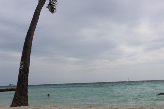 Arora Inn: La plage à 2mn à pied