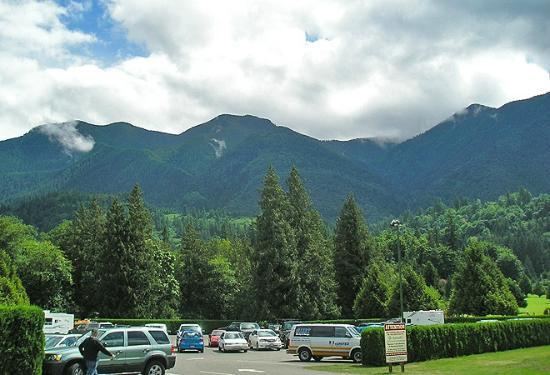 Cultus lake rv resort updated 2018 campground reviews for Cabins at cultus lake