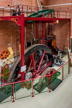 Bolton, UK: Engine 2