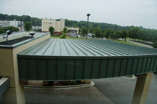 Courtyard Statesville Mooresville/Lake Norman: My View Was a Roof