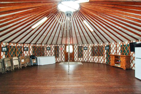 Oceanside Beachfront RV Resort: Yurt