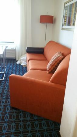 Fairfield Inn & Suites Smithfield Selma/I-95 : Sleeper Sofa with a Bend