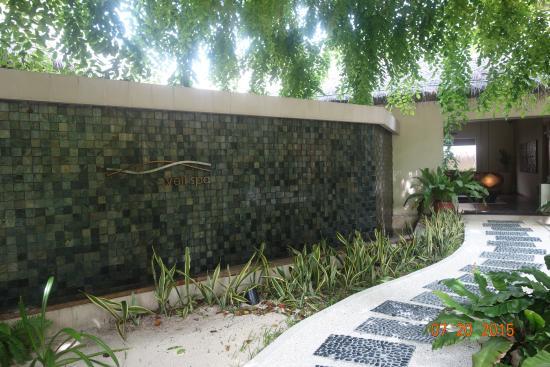 Veli Spa at Kurumba Maldives: The entrance to the spa