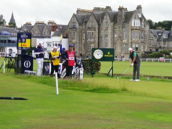 Lorimer Guest House: Marcus Fraser tees off 2nd hole at the 2015 Open