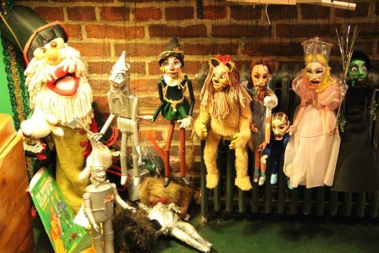Lancaster Marionette Theatre : Previous Cast