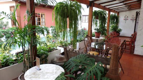 Hostal El Patio: Patio outside our bedroom