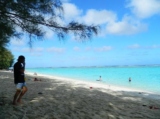 Kia Orana Beach Bungalows : Beautiful beach