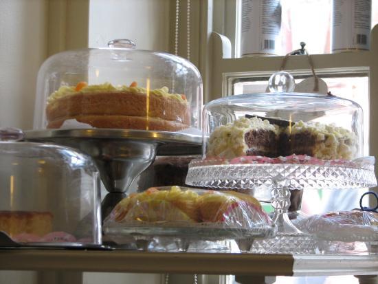 Madeleine's: Delicious tea and cake - home-made Battenburg!