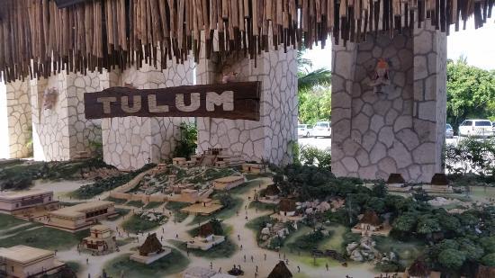 Parco Xel Ha Entrada A Maqueta De Todo Tulum