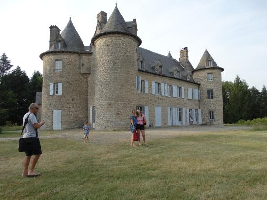 Liginiac, Frankrike: castle