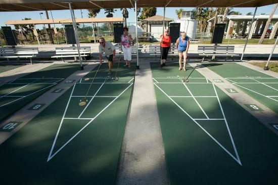 Toby's RV Resort: Shuffleboard