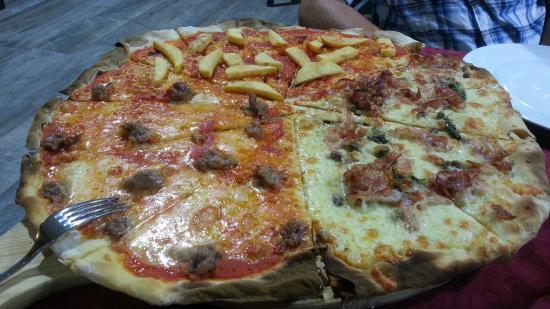 Ristorante La Locanda Delle Streghe : il tagliere di pizza