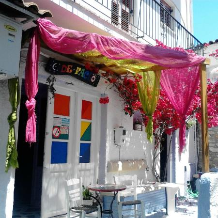De Facto Bar Skiathos