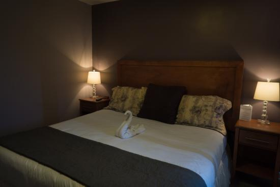 Charlroy Motel: Couple room with king bed