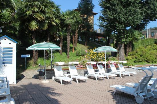 Hotel Beau Rivage: Pool area