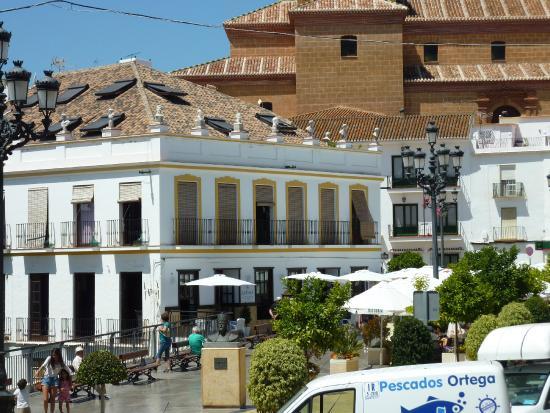 La Casa Bar and Restaurant: Restaurant in Main Square