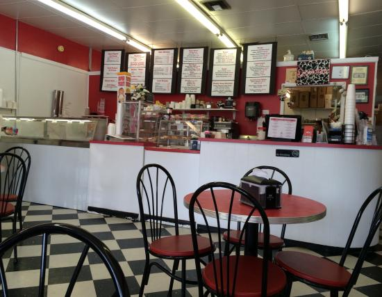 Milky Moo's: Fun place with good sandwiches