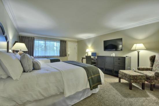 Stanford Terrace Inn: Standard Double Queen Beds