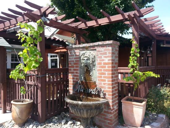 Girardi's Osteria: Entrance