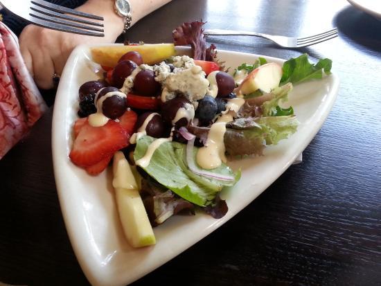 Girardi's Osteria: Salad 1